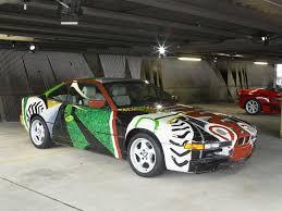 Bmw 850 2014 P90100543 Art Drive The Bmw Art Car Collection 1975 2010 In London July 21 August 4 2012 David Hockney Bmw Ar 1998px Jpg