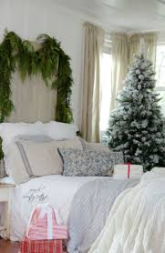Romantic French Bedroom Decorating Ideas 252 Best Christmas Bedrooms Images On Pinterest Christmas