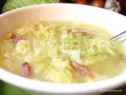 comment cuisiner du chou blanc soupe au chou et au lard la recette d origine auvergnate la