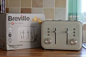 Stylish Toasters Breville High Gloss Vtt687 4 Slice Toaster Youtube
