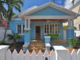 blue on white charming tropical bungalow vrbo