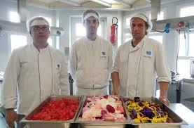 cuisine centrale albi castres des desserts aux fleurs par la cuisine centrale 09 05