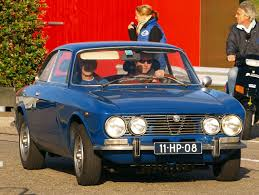 alfa romeo classic blue file 1975 blue alfa romeo gt junior 1 3 lusso jpg wikimedia commons