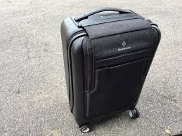 this smart suitcase is the best carry on bag i u0027ve ever used and