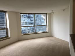 looking for a room mate to share living room in presidential