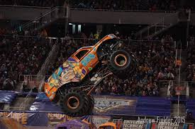 video de monster truck jester monster truck freestyle orlando 2015 youtube