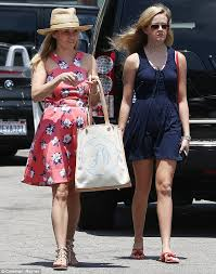 reese witherspoon and daughter ava look like sisters as they enjoy