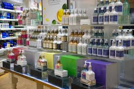 bath body works biggs park mall we carry body lotions shower gels candles and accessories aroma and spa products and gifts for everyone we offer these major brands c o bigelow