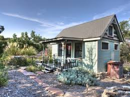 canyon lake cottage rental featured on msn tiny texas house king