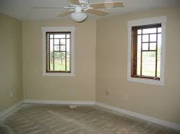 warm creamy wall colors colors that go with taupe walls paint