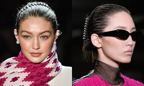 90s hair accessories these 90s hair accessory trends are a comeback