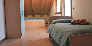 Split Level Bedroom by One Bedroom Apartment 4 Adults Split Level Rooms Bait Del