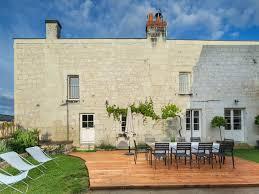 chambre d hote candes martin maison grand confort grande piscine chauffée bassin intérieur et