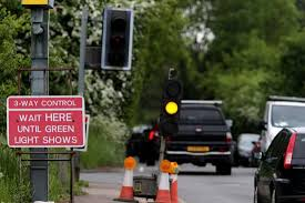 traffic lights not working forty minute jams leaving epping to the south this evening east