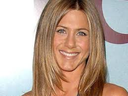 rachel haircut pictures jennifer aniston s a cut above for 11 million women uk news