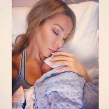 real housewives of miami u0027s lisa hochstein welcomes baby boy via