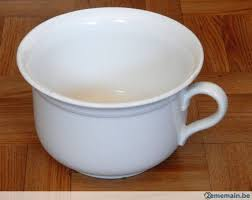 pot de chambre de la très joli vieux pot de chambre boch la louvière a vendre 2ememain be