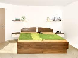 Schlafzimmer Schrank Nussbaum Elegante Wandgestaltung Urbana Möbel
