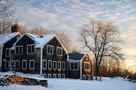 new england farmhouse winter new england farmhouse in snow stock photo image of