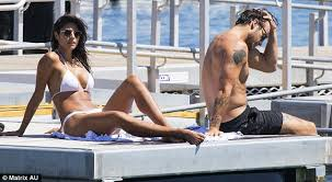 White Girl Tanning Meme - pia miller displays tops up her tan with shirtless boyfriend tyson