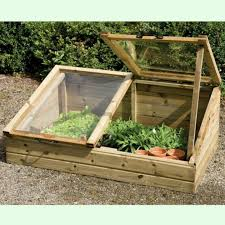 How To Build A Small Toy Box by Best 25 Small Greenhouse Ideas On Pinterest Diy Greenhouse