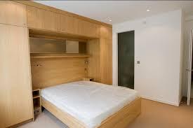 placard de chambre en bois placard tete de lit