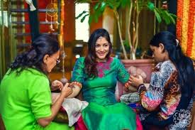 Candid Photography What Is Candid Wedding Photography Why Should One Hire A Candid