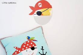 chambre de pirate la chambre de pirate de gabchou avec les accessoires decoloopio