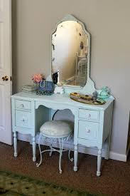 Vintage Style Vanity Table Remarkable Vintage Style Vanity Table With 51 Makeup Vanity Table
