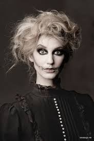 Make Up For Halloween 21 Hair Ideas For Halloween Easy Hair And Makeup Ideas For