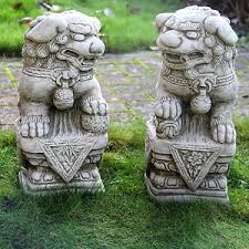 2 foo dogs garden ornament statue sculpture pillar