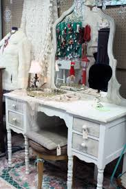 Antique Vanity Table 219 Best Vintage Vanity Images On Pinterest Vanity Tables