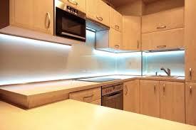 eclairage plan travail cuisine les acclairages lacclairage des plinthes le led pour plan de