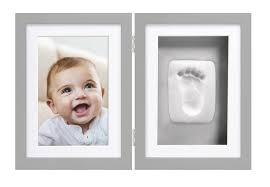 cadre photo bureau de bureau empreinte de bébé gris