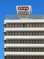 coop adriatica sede con le tettoie fotovoltaiche energia pulita e risparmio per