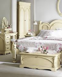 Impressive Vintage Nuance Luxurious Master Bed At Contemporary Bedroom With Vintage Table