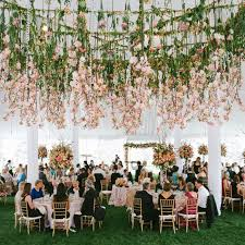 wedding flowers decoration 25 best hanging flowers wedding ideas on hanging