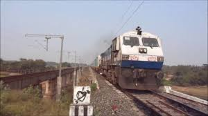 india u0027s 1st semi luxury train humsafar express chasing shatabdi
