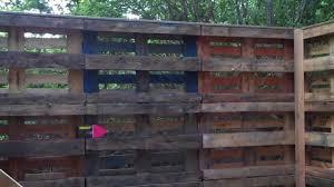 construire son chalet en bois cabane bois en palette europe youtube
