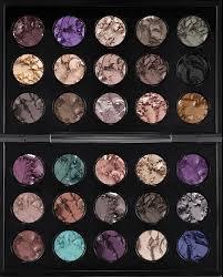 xo noelle beauty lifestyle giveaway 30 pan mac eye shadow