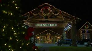a very merry great wolf lodge snowland youtube