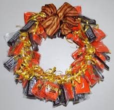 candy wreath s day gift ideas and crafts from ediblecraftsonline