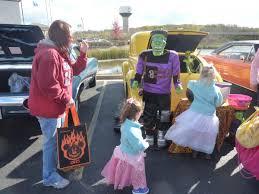 Halloween Trunk Decorations Growing U0027trunk Or Treat U0027 Trend Changes Up Halloween Tradition Wuwm