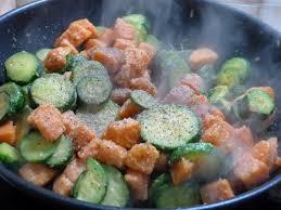 cuisiner courgettes poele wok rapide de courgettes patates douces