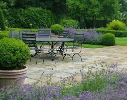 how to design a small front garden cheaply small front gardens