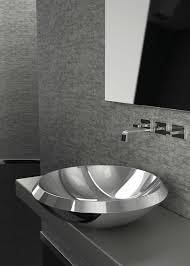 waschbecken design silberne waschbecken aus metall sind eine glänzende alternative zu