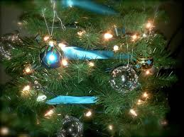Decorate Christmas Tree For Easter by White Christmas Tree With Gold And Blue Decorations Ne Wall