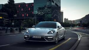 porsche panamera specs 0 60 the porsche panamera turbo s e hybrid makes 680 hp 626 lb ft of
