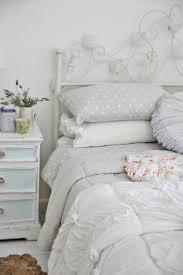 deco chambre romantique beige chambre blanche en 65 super idées de meubles et décoration
