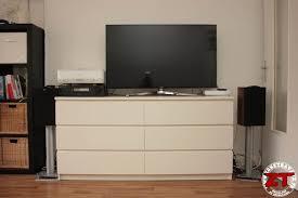 meuble tv cuisine ikea hack un meuble tv avec des meubles de cuisine